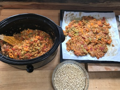 Vegetarian bean stew from the crockpot to the dehydrator